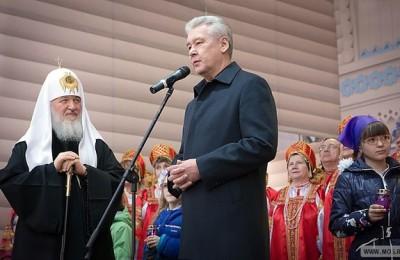 Мэр столицы Сергей Собянин и Патриарх Московский и всея Руси Кирилл посетили фестиваль «Пасхальный дар»