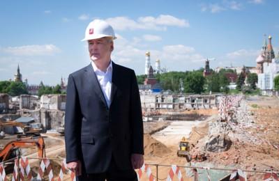 Сергей Собянин проинспектировал строительство парка «Зарядье»