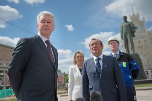 Собянин осмотрел ход реконструкции Волоколамского путепровода
