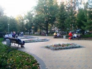 В прошлом году здесь была обустроена пешеходная зона, которая сразу стала излюбленным местом отдыха жителей