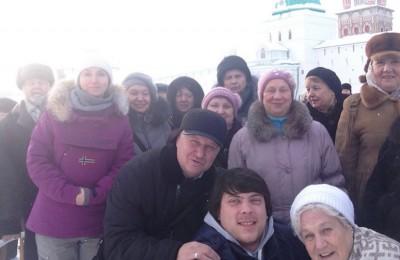 Экскурсию в Троице-Сергиеву лавру организовали для пенсионеров Нагорного района