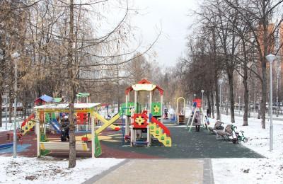 Детская площадка в Нагорном районе
