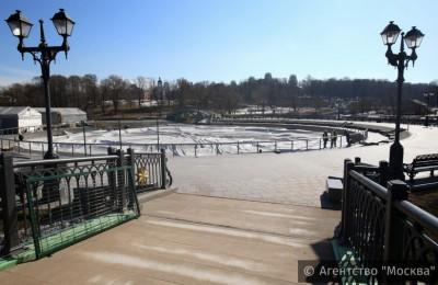 Защитный купол демонтировали с центрального фонтана в парке «Царицыно»