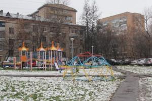 Дворовая площадка в Нагорном районе