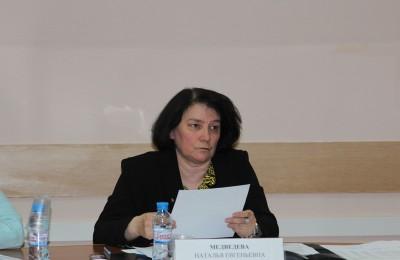 Глава муниципального округа Нагорный Наталья Медведева пожелала ученикам дальнейших успехов