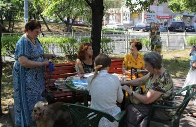 Летний читальный зал в Нагорном районе