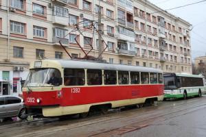 В Нагорном районе отменили два трамвайных маршрута на время ремонта путей