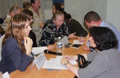 Муниципальные депутаты общаются с жителями