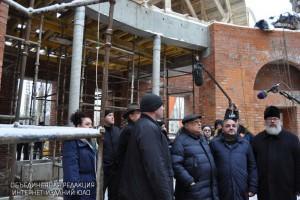 Владимир Ресин ознакомился с ходом строительства новых храмов