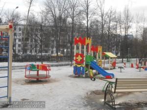 Благоустроенный двор в Нагорном районе
