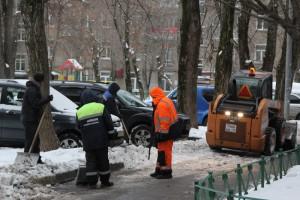 Уборка снега в Нагорном районе