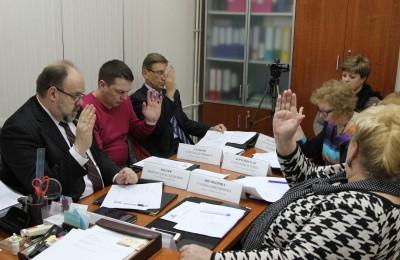 Депутаты на очередном заседании