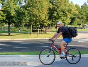 Велосипедист в районе