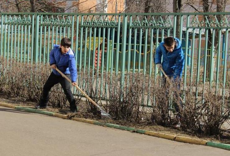 Праздник весеннего труда провели образовательные учреждения района