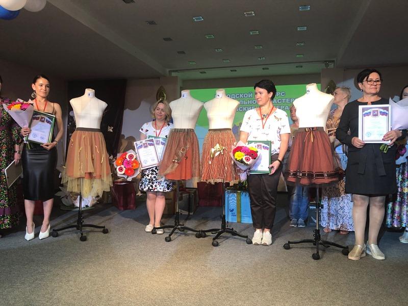 Портниха Южного округа завоевала серебро конкурса «Московские мастера»